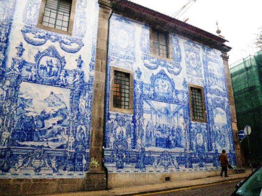 ポルト壁画教会.jpg